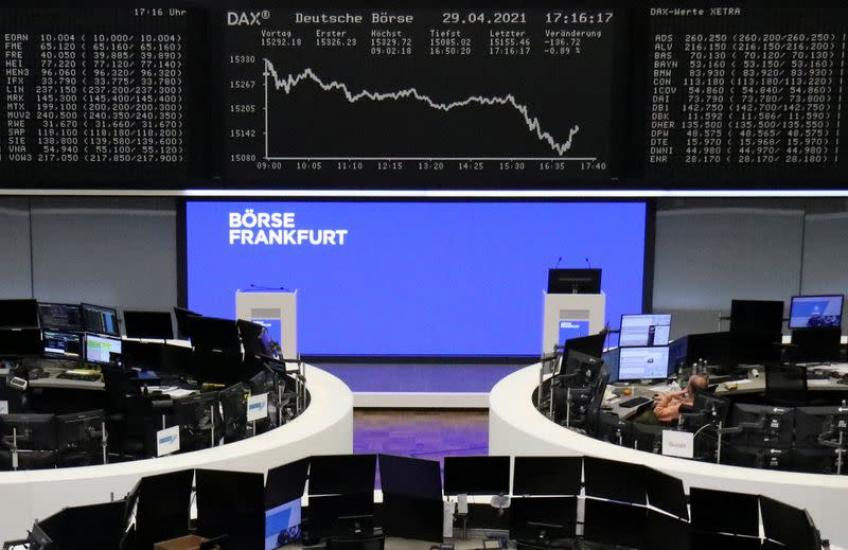 European shares notch weekly gains as inflation fears linger