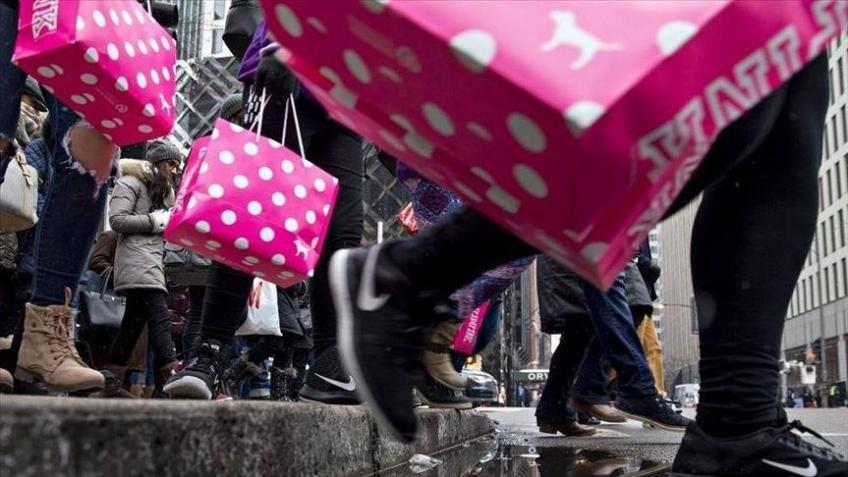 US retail sales pick up 0.7% in August in surprise boost to economy