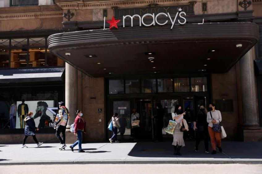 Ohio's Macy's to hire 76,000 workers as holiday hiring returns to pre-pandemic level