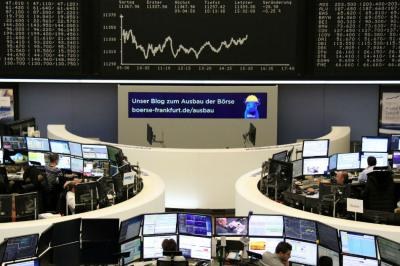 European indices lift higher as deal optimism offsets trade worries